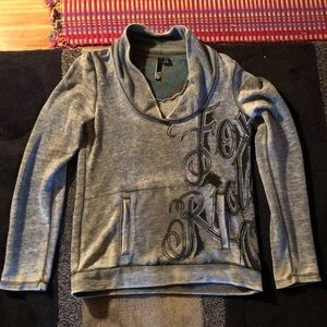 Like new Fox women's sweatshirt.
